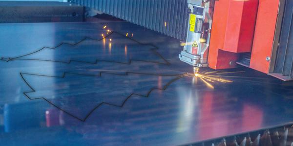 laser cutting xmas tree